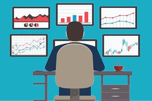 Una página web corporativa a diferencia de una Tienda Online sirve para dar a conocer los servicios de una empresa que no vende de manera online ningún producto.